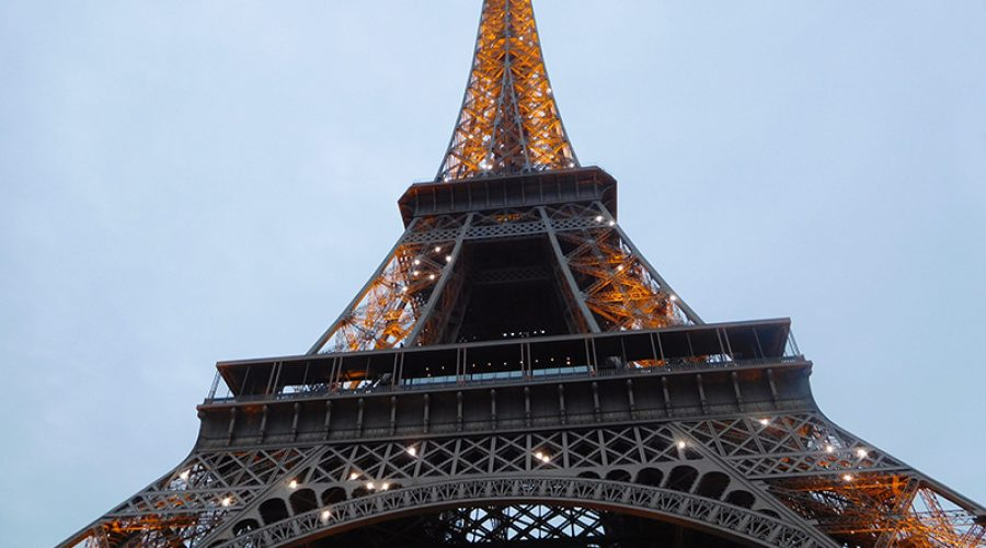 Paris: A City packed with fine art, architecture, shopping & sightseeing