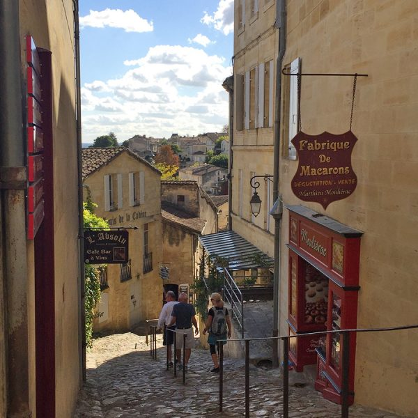 Narrow street in St. Emilion